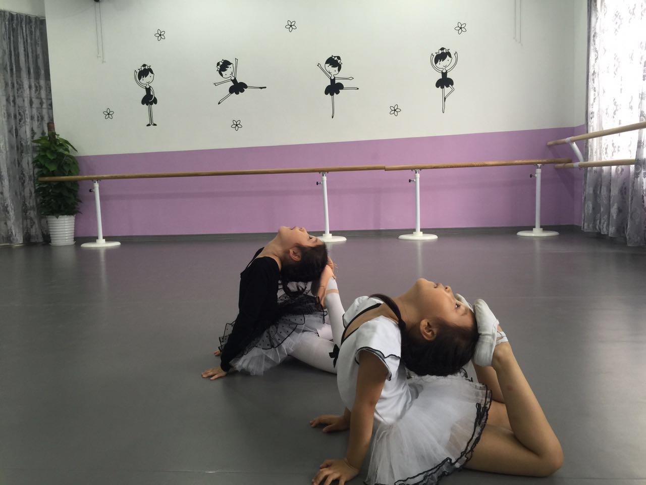 舞蹈地胶--上海香蕉树舞蹈工作室成功案例